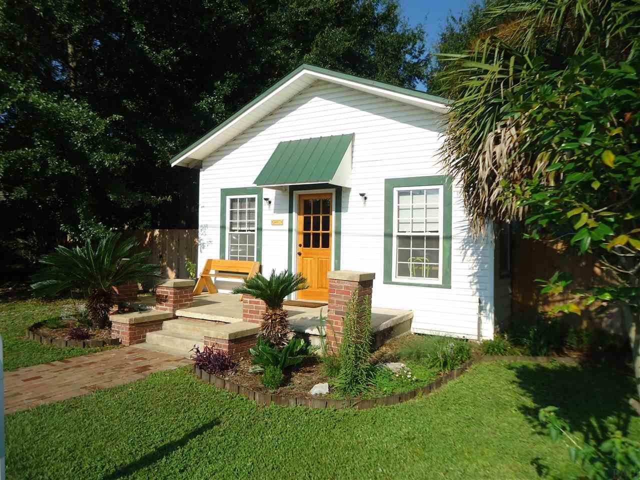 5227 Mary St, Milton, FL 32570
