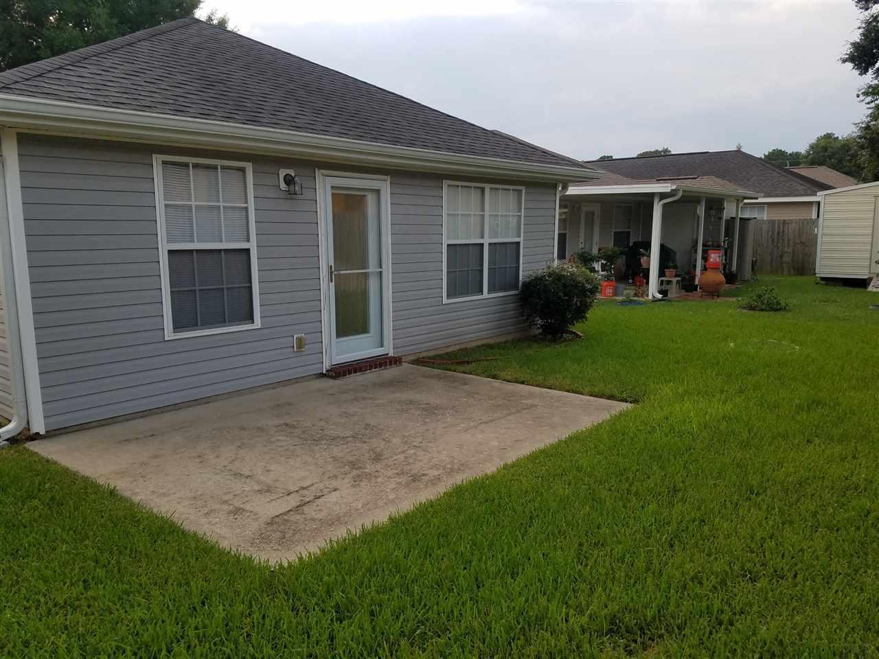 5918 Bilek Dr, Pensacola, FL 32526