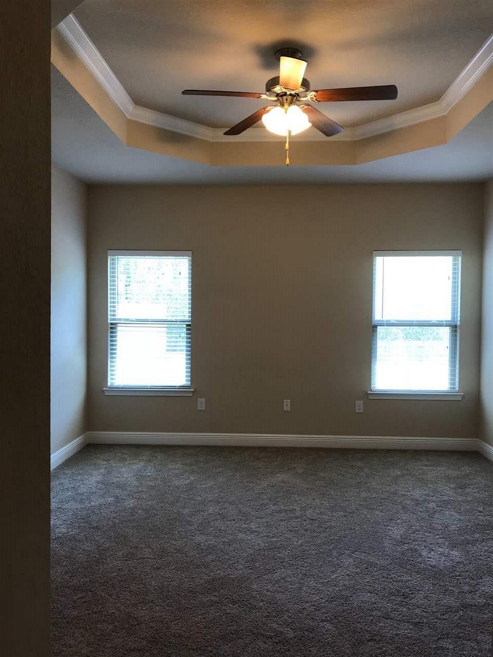 816 Oak Alley, Pensacola, FL 32506