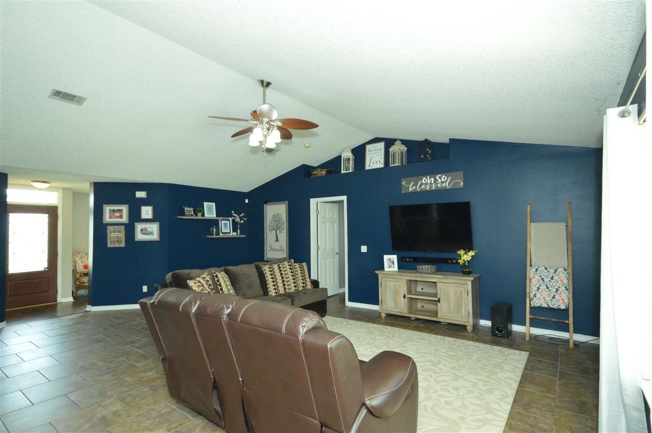 5885 Admirals Rd, Milton, FL 32583
