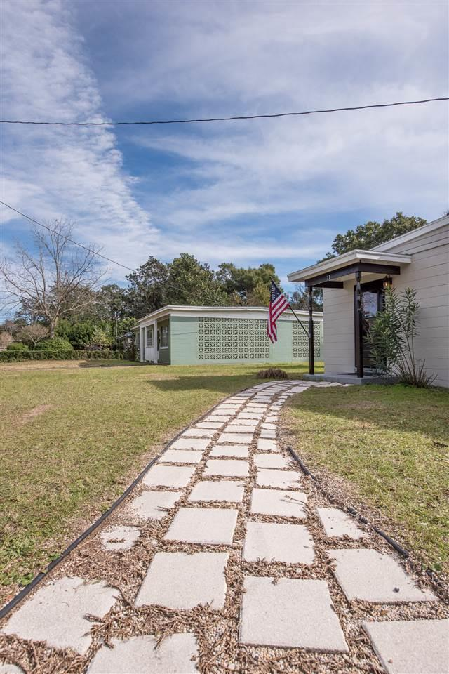 11 Teakwood Cir, Pensacola, FL 32506