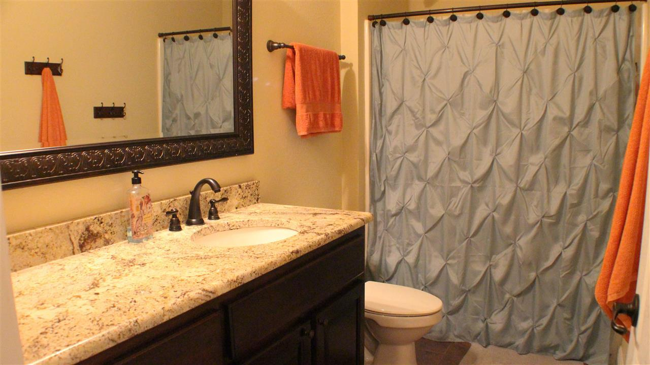 5664 Heatherton Rd, Milton, FL 32570
