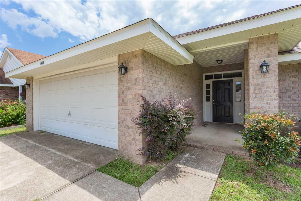 4955 Genevive Ct, Pensacola, FL 32526