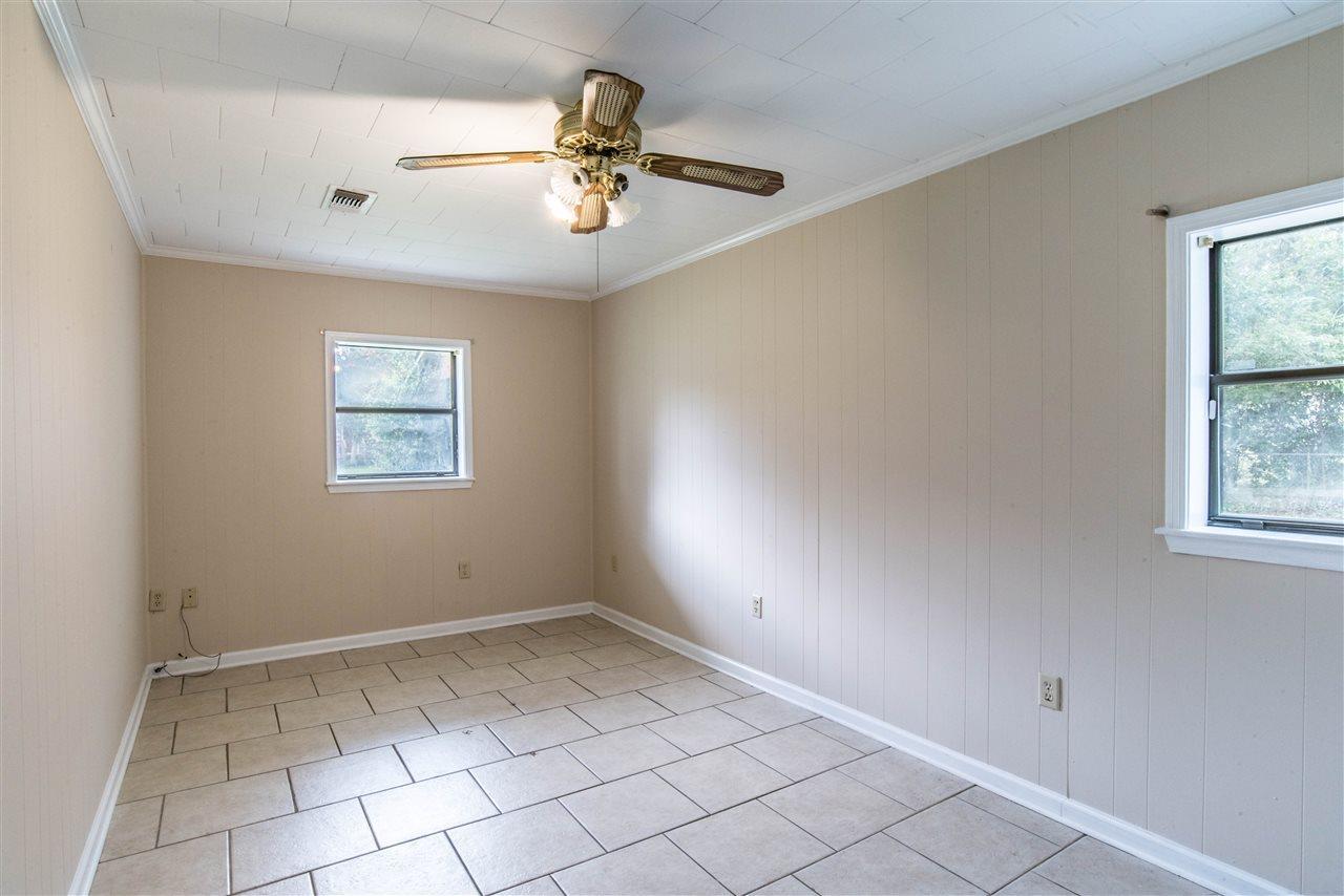 415 Rhoda St, Pensacola, FL 32503
