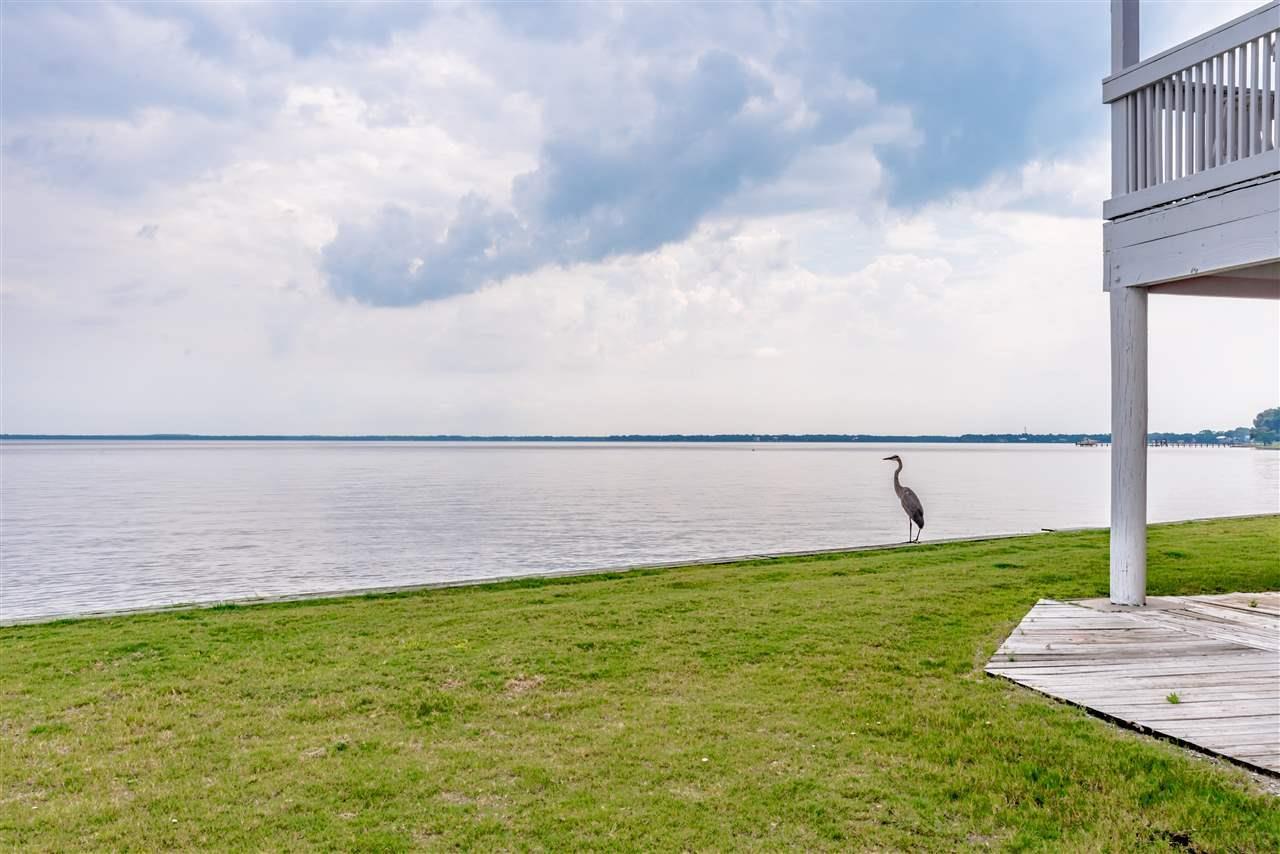 16030 Innerarity Pt Rd, Pensacola, FL 32507