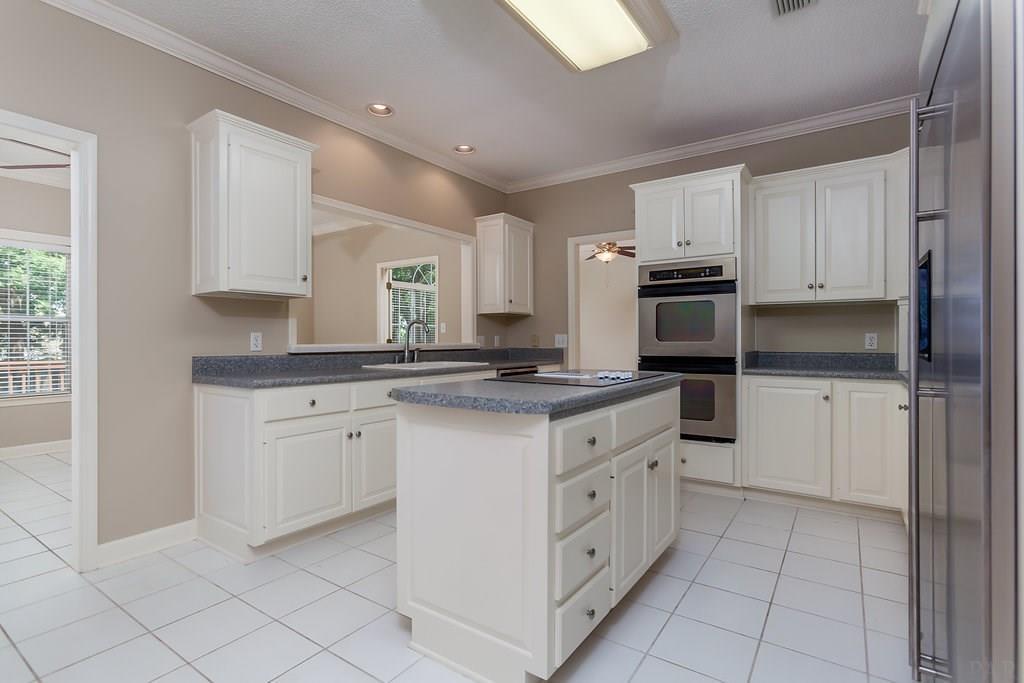 1509 Kings Rd, Cantonment, FL 32533