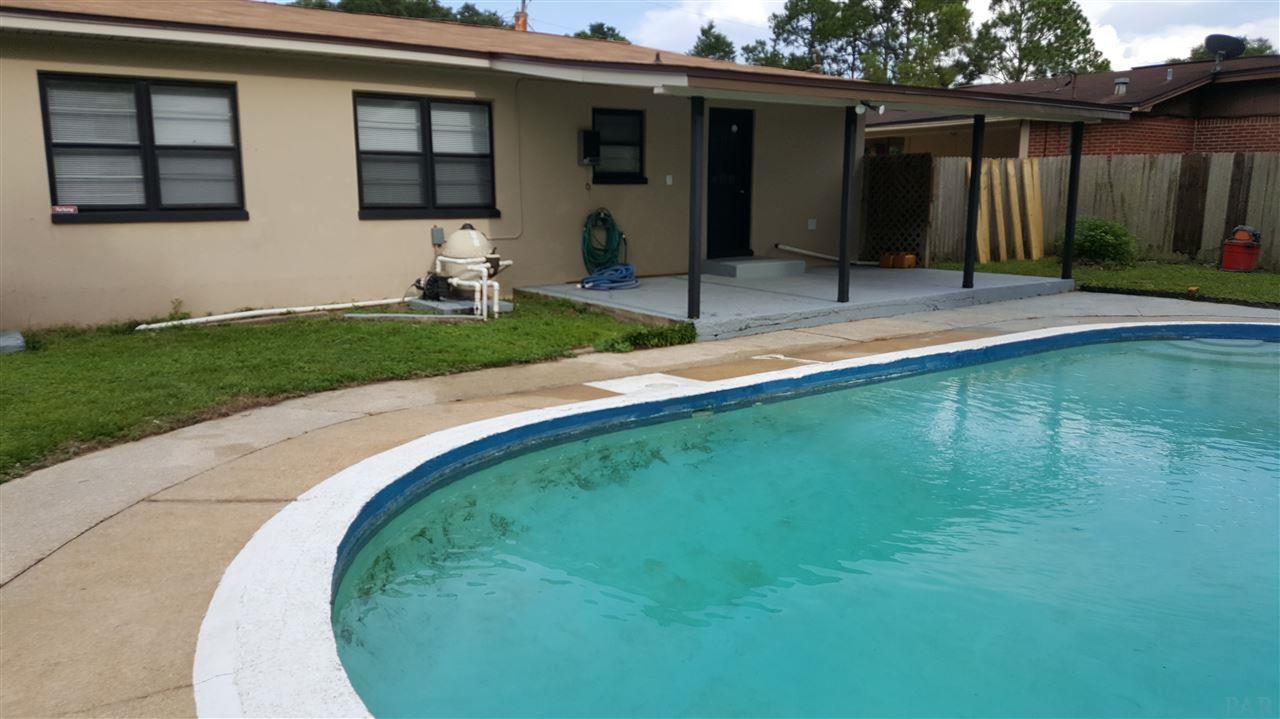 206 Algiers St, Pensacola, FL 32505