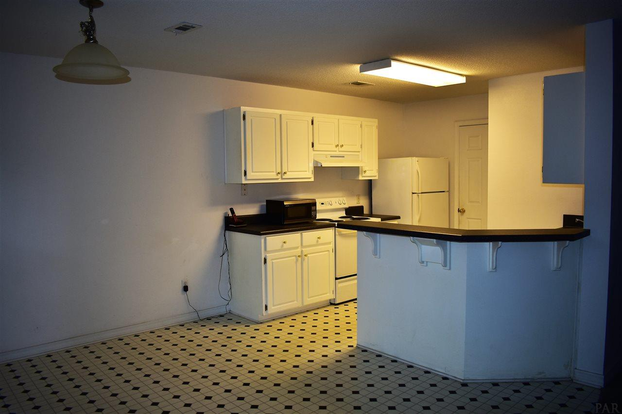6222 Cottage Woods Dr, Milton, FL 32570