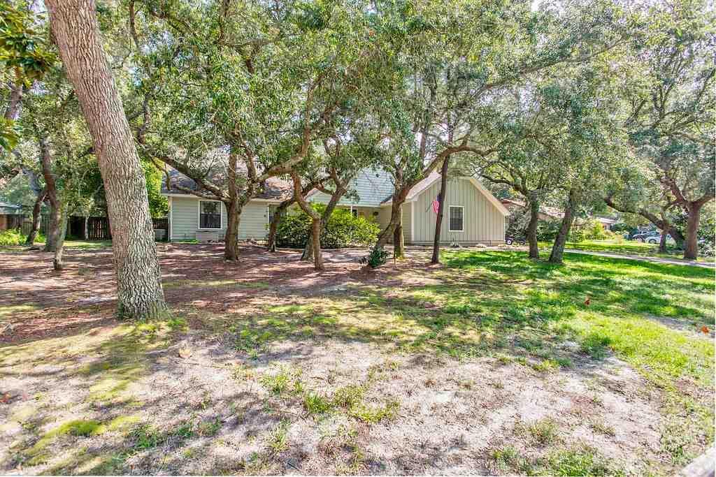 2821 Oak Ridge Dr, Gulf Breeze, FL 32563