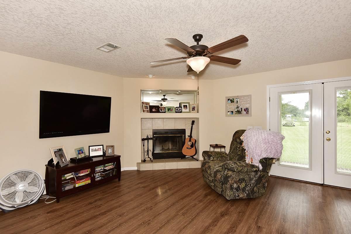 9940 Rebel Rd, Pensacola, FL 32526