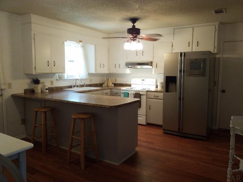 4244 Jernigan Rd, Pace, FL 32571