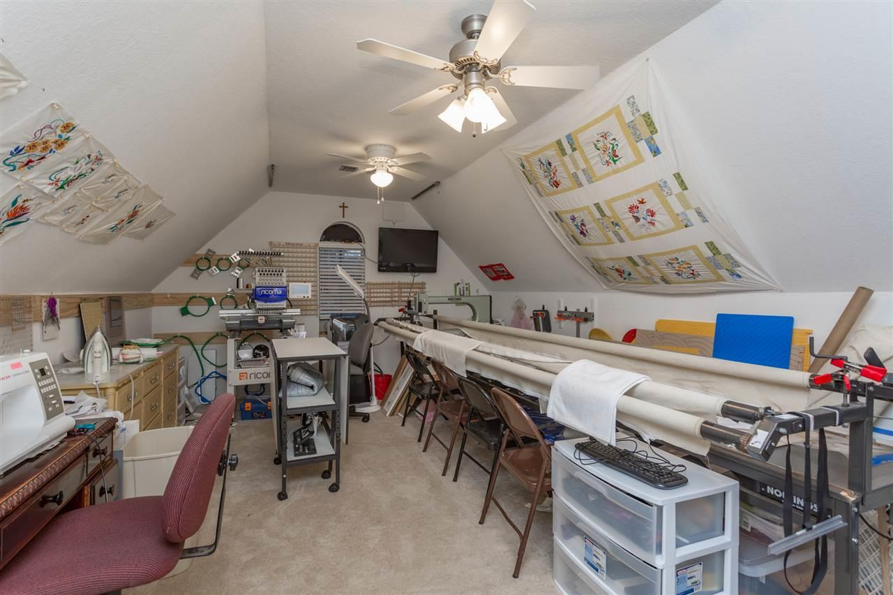 2328 Caddy Shack Ln, Pensacola, FL 32526