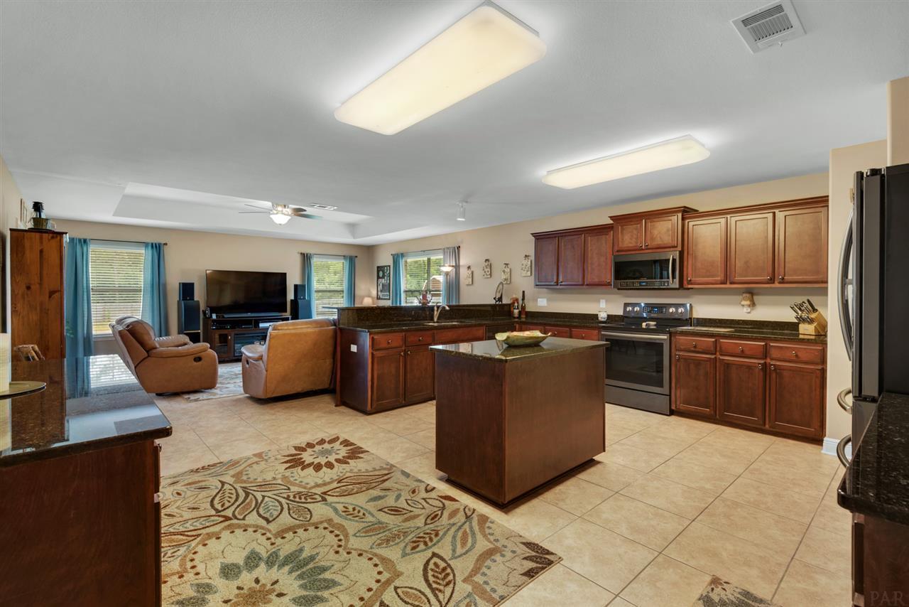 7564 Brewster St, Navarre, FL 32566