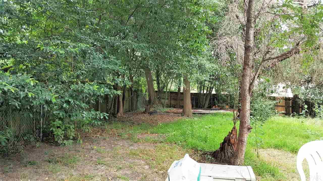 310 Teakwood Cir, Pensacola, FL 32506