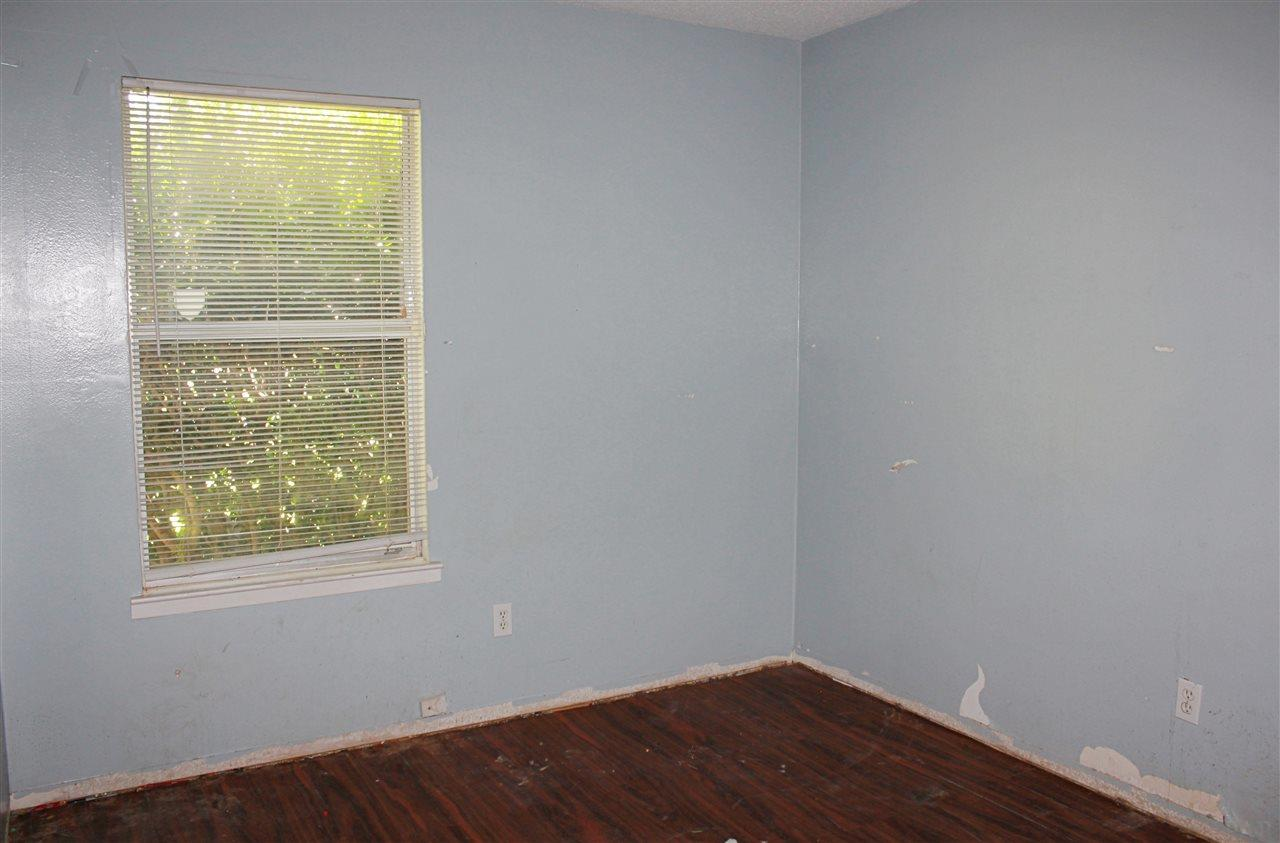 7054 Frank Reeder Rd, Pensacola, FL 32526