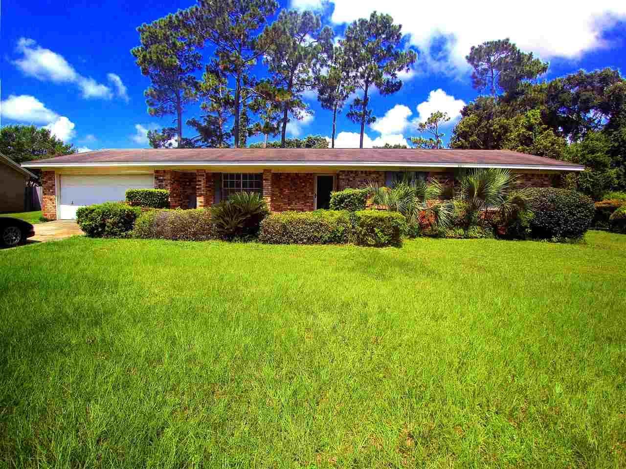 8285 Strasburg Rd, Pensacola, FL 32514