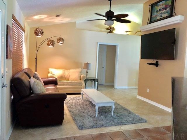 3305 Windy Oaks Dr, Pace, FL 32571