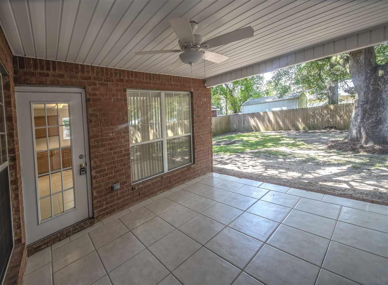 5012 Patterson Ln, Pace, FL 32571