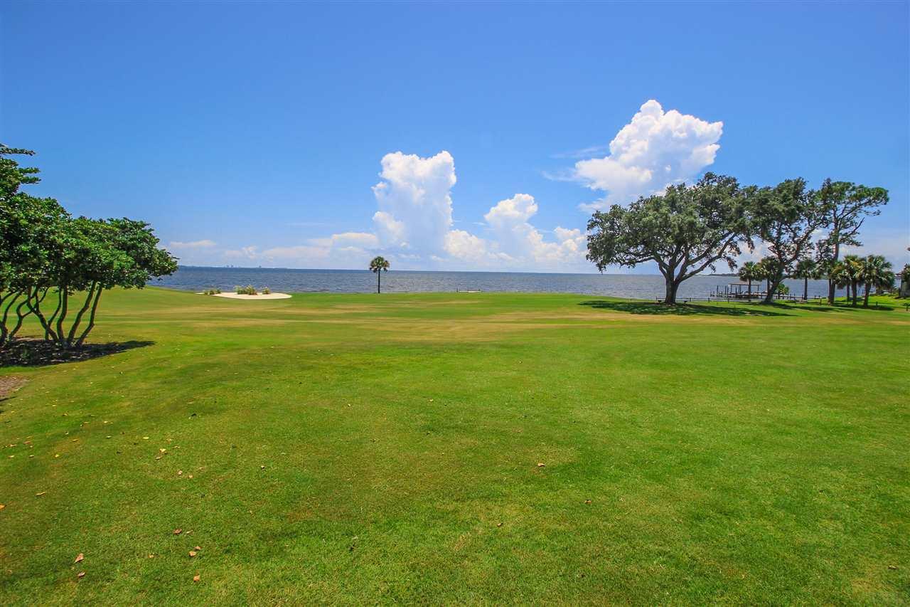 19 Star Lake Dr, Pensacola, FL 32507