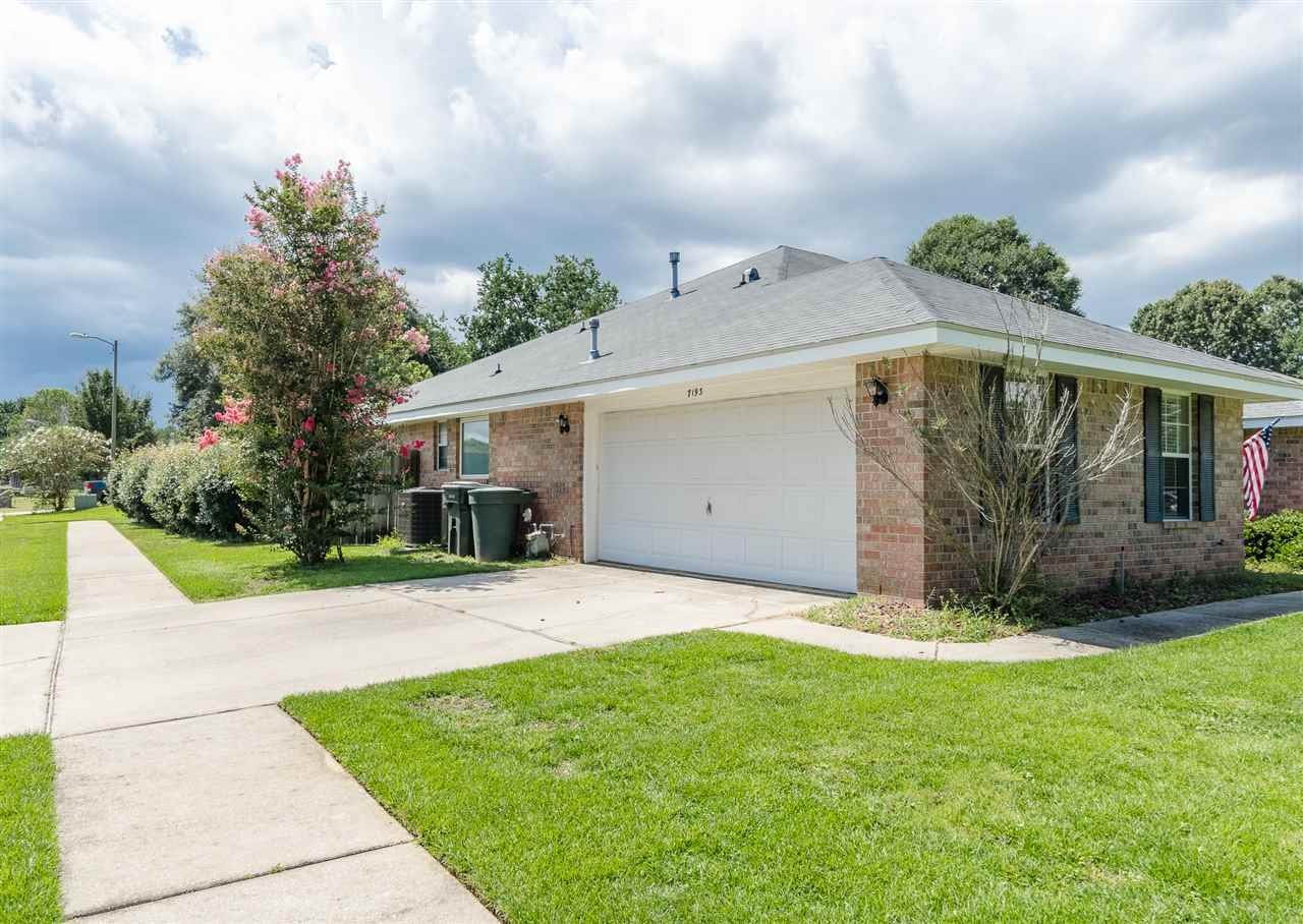 7193 Woodside Rd, Pensacola, FL 32526