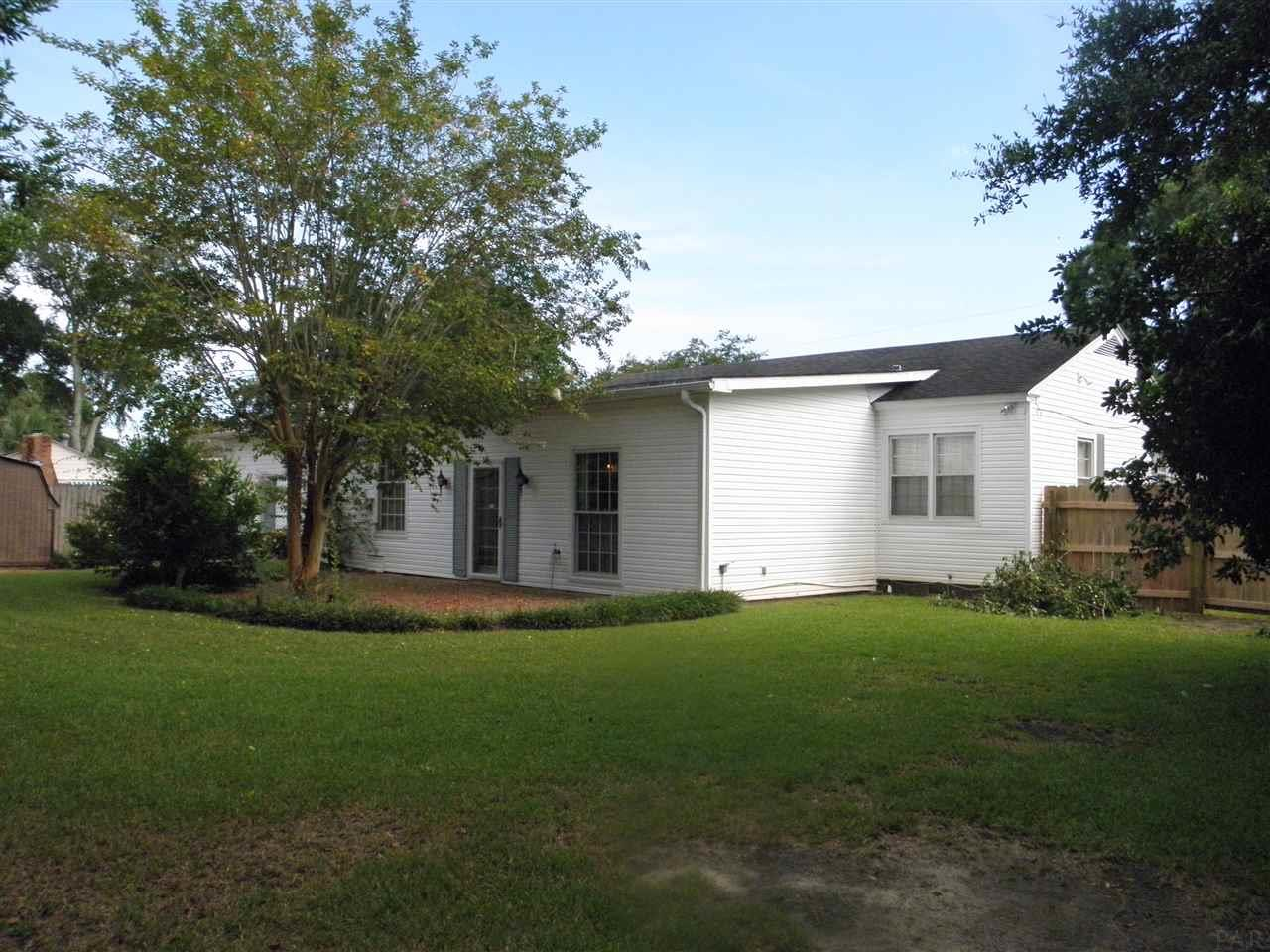 918 Fairway Dr, Pensacola, FL 32507