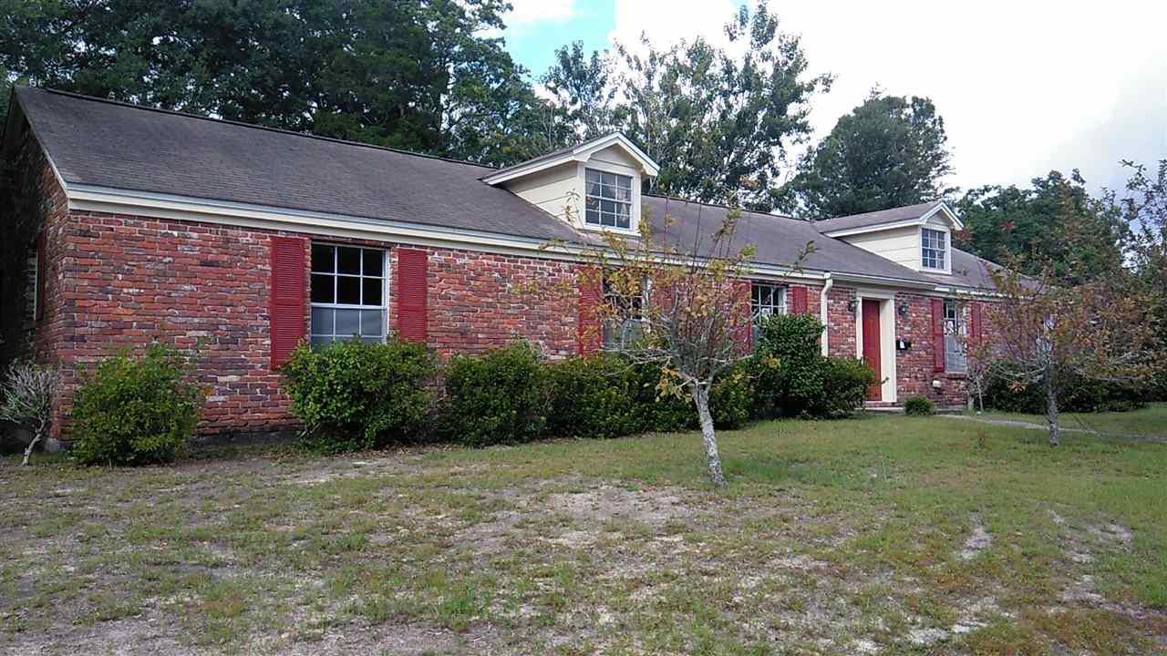 3965 Lynn Ora Dr, Pensacola, FL 32504
