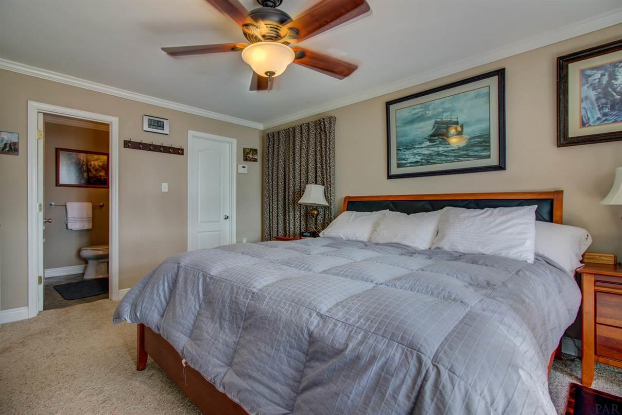 3625 Sunnyside St, Pensacola, FL 32507