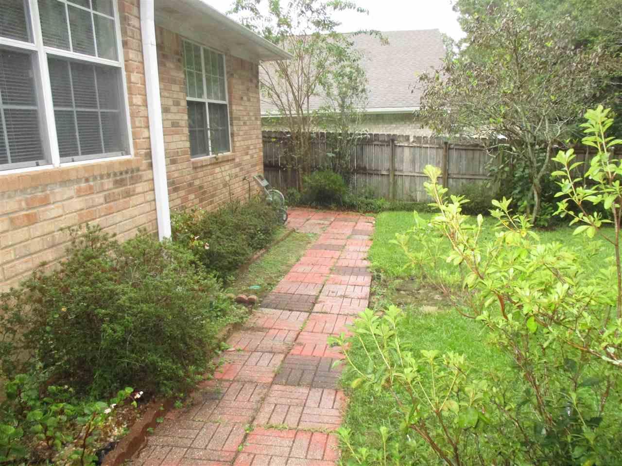 6042 Songbird Dr, Pensacola, FL 32503