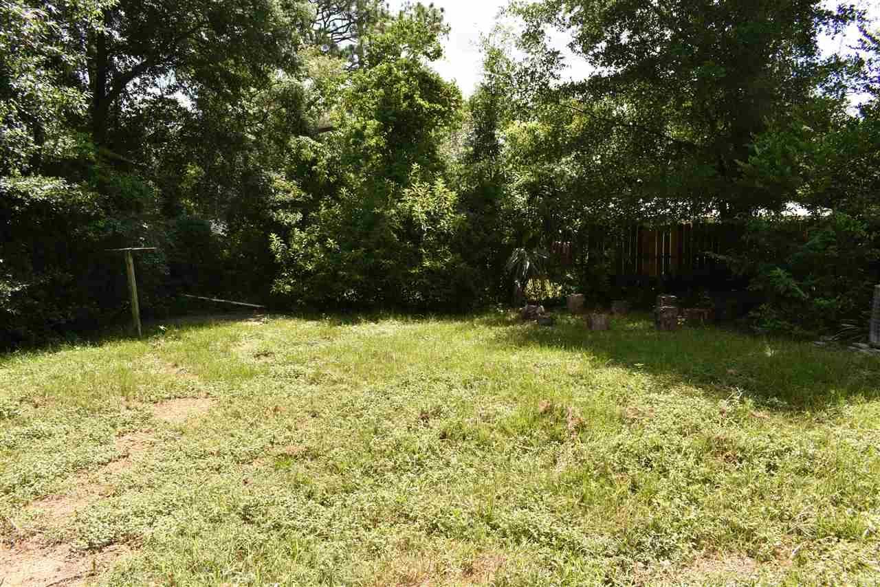 814 Woodland Dr, Pensacola, FL 32503