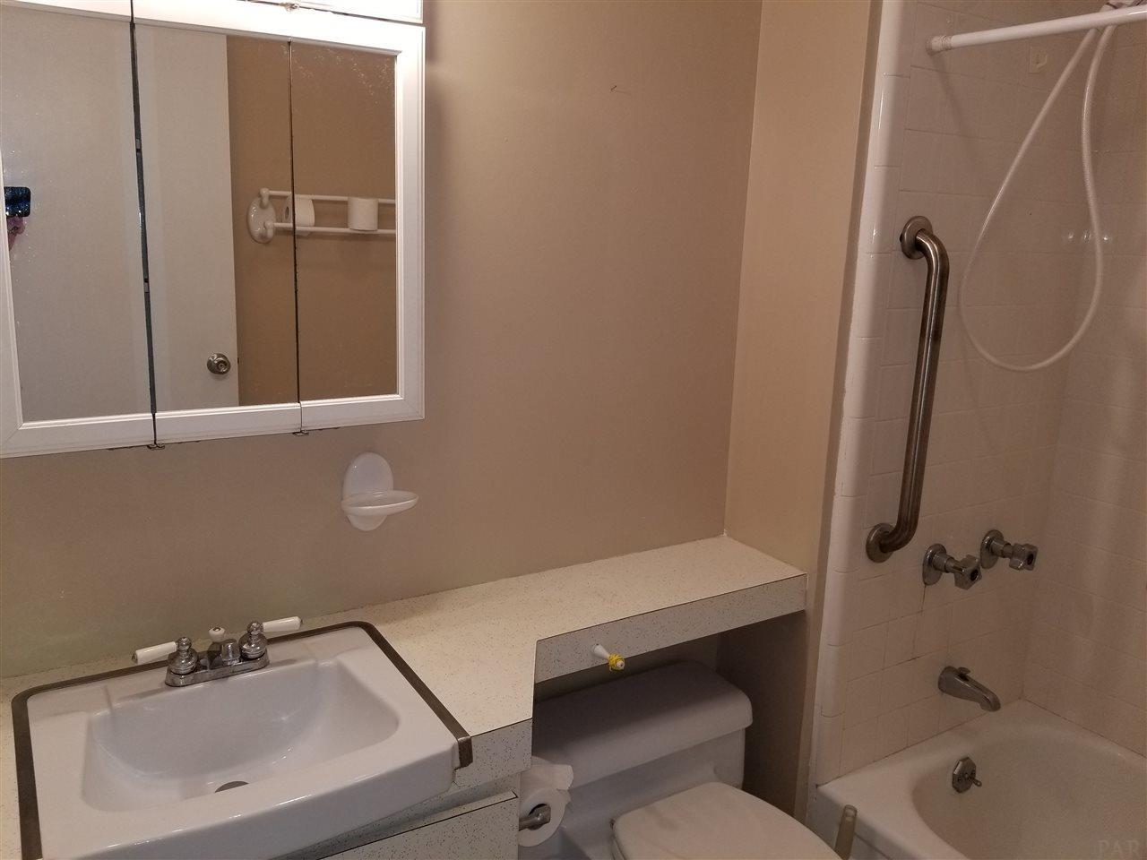 825 BAYSHORE DR #301, PENSACOLA, FL 32507  Photo 14