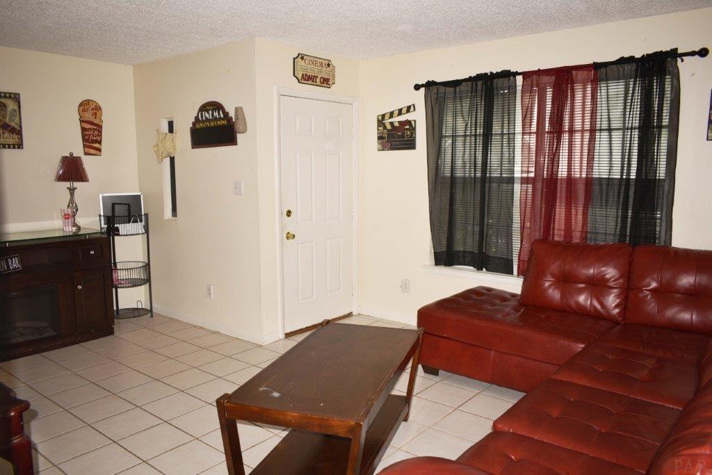 8521 Merger Rd, Pensacola, FL 32514