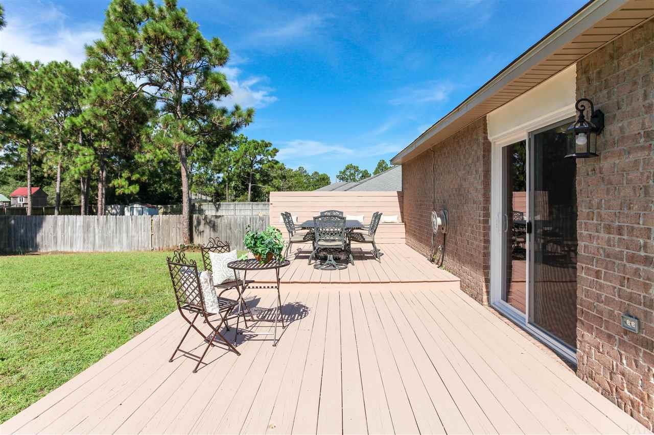 7543 Brewster St, Navarre, FL 32566