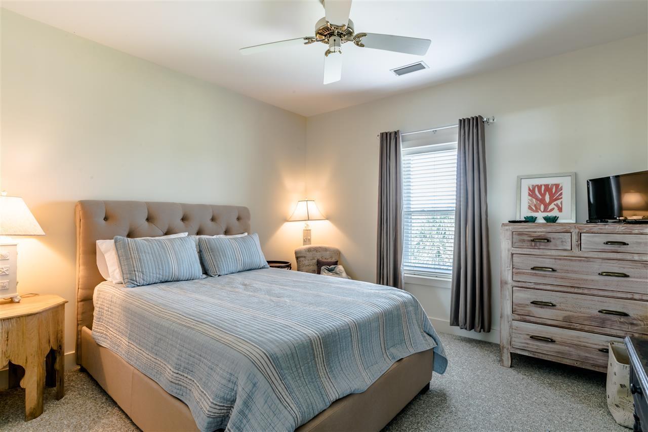 1258 Parasol Pl, Pensacola, FL 32507