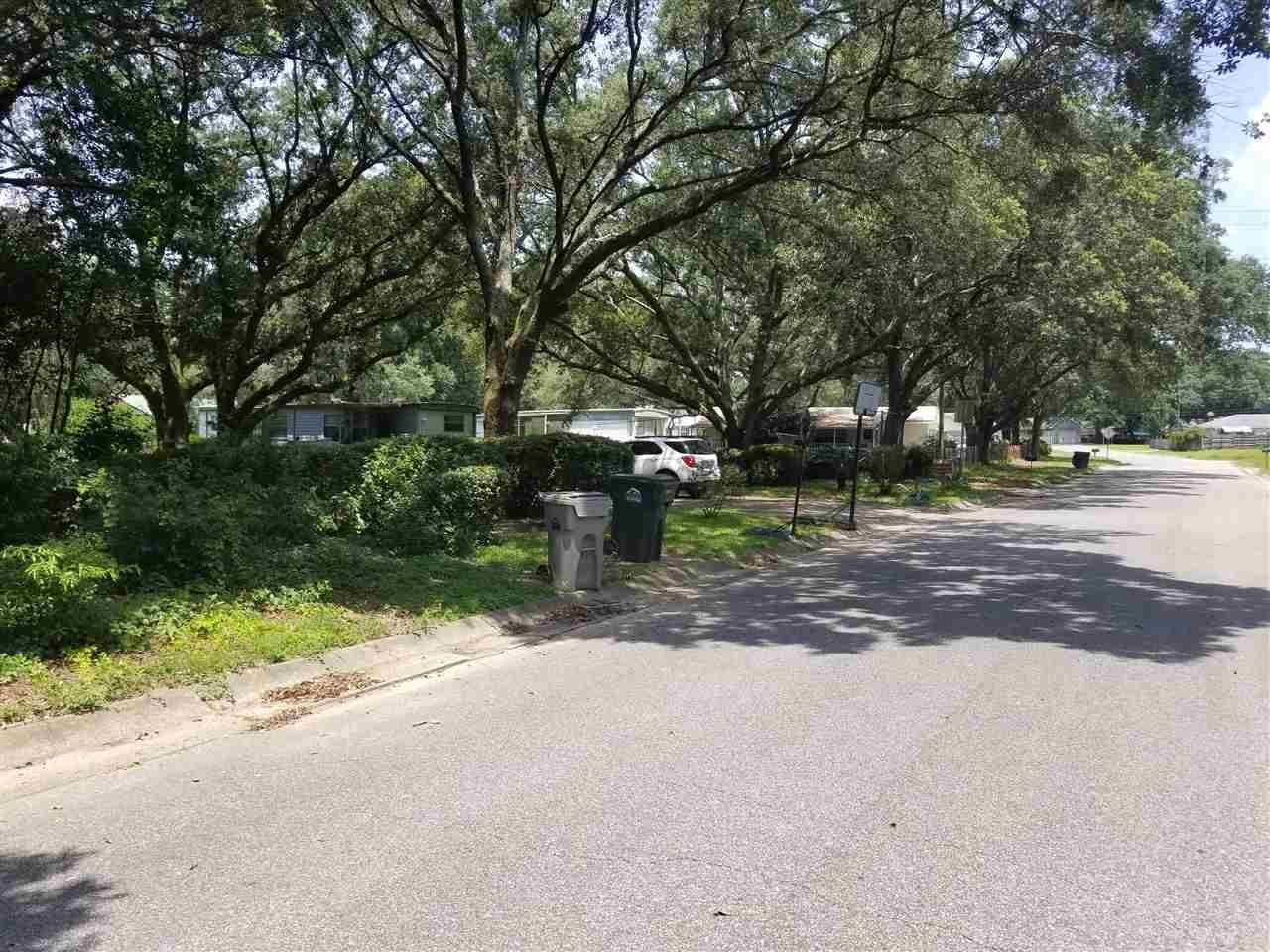 6249 Neshota Ave, Pensacola, FL 32526