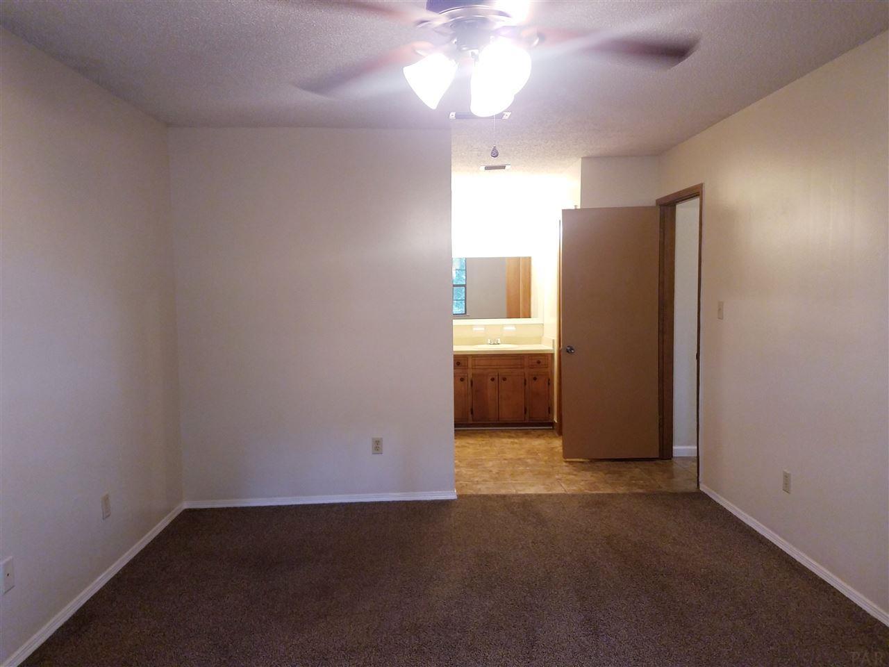 6242 Ridgegate Cir, Pensacola, FL 32504
