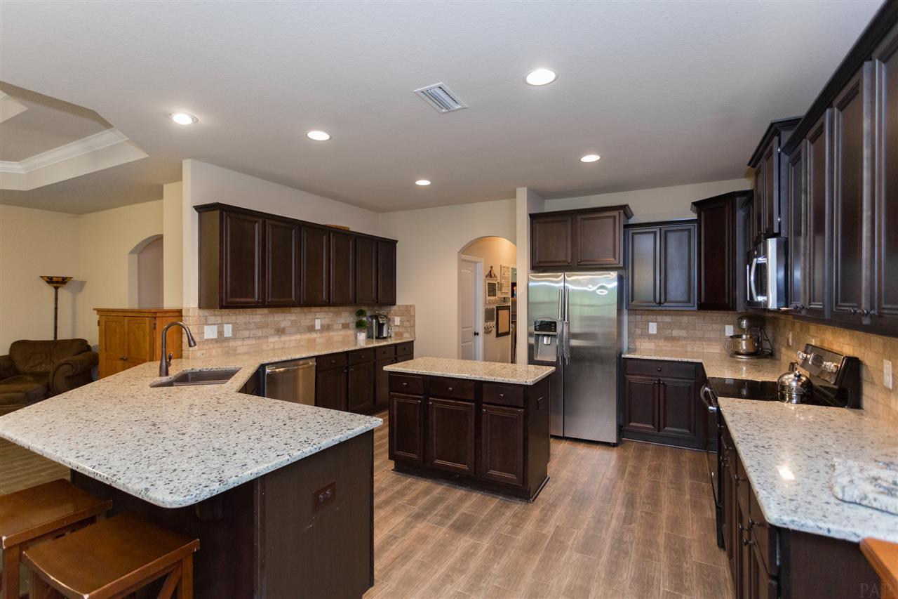 2812 Carrington Lakes Blvd, Cantonment, FL 32533