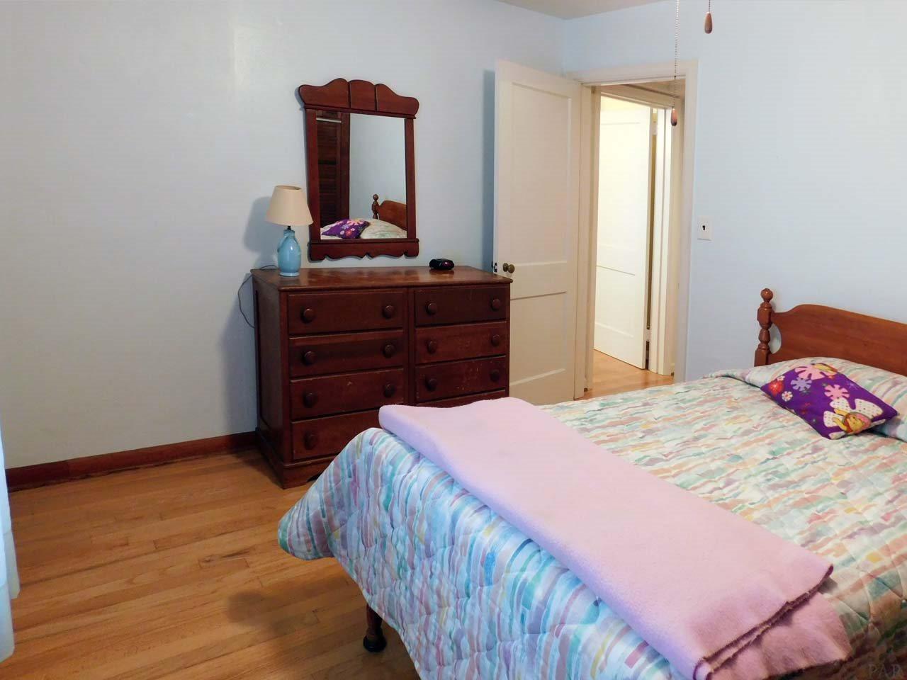 14 Mandalay Dr, Pensacola, FL 32507