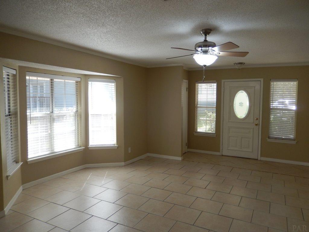 10015 Foxrun Rd, Pensacola, FL 32514
