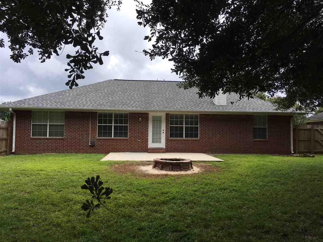 5570 Berrybrook Cr, Pace, FL 32571