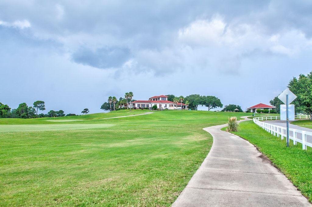 1334 Tour Dr, Gulf Breeze, FL 32563
