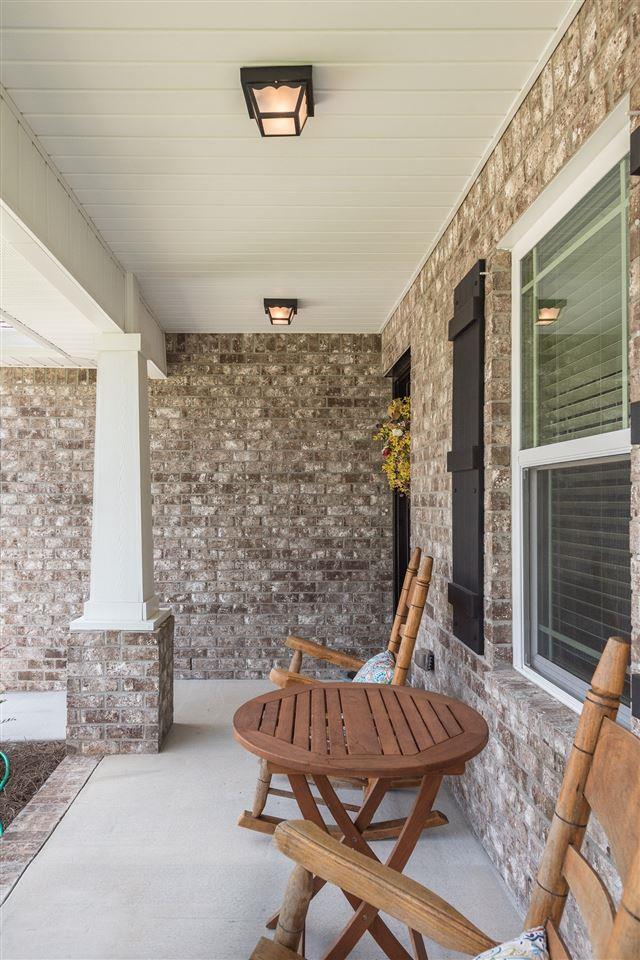 271 Cottage View Dr, Pensacola, FL 32507