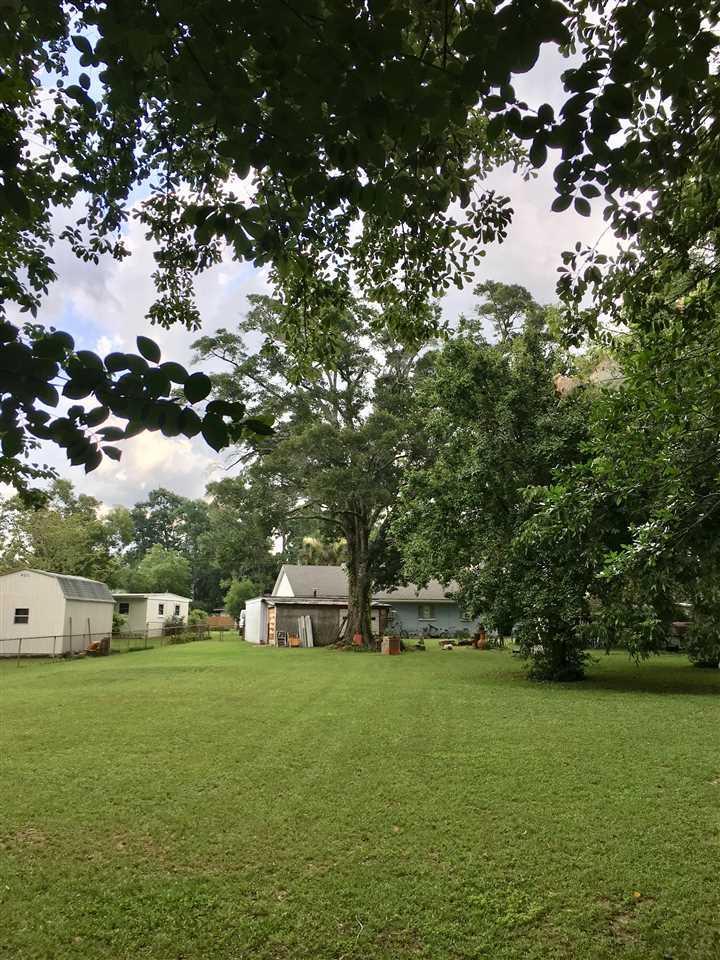 33 Adkinson Dr, Pensacola, FL 32506