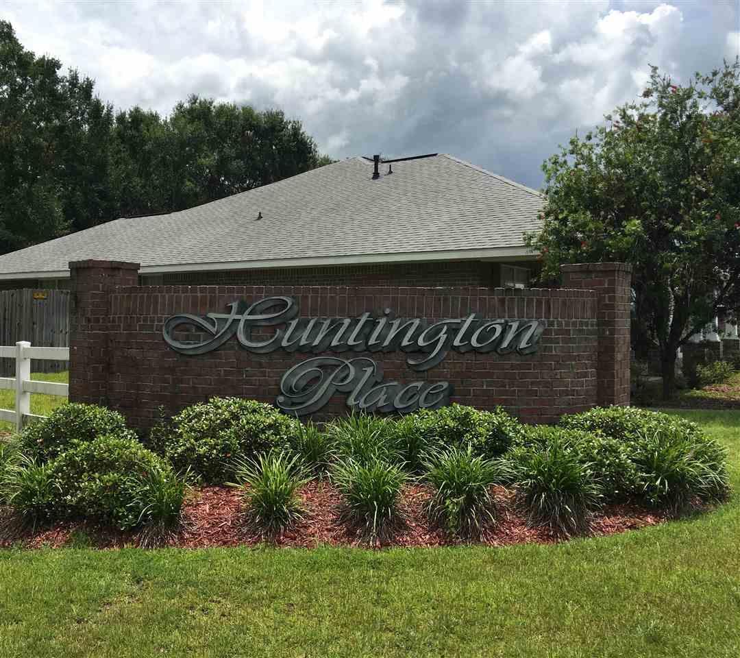 1632 Hollow Point Dr, Cantonment, FL 32533