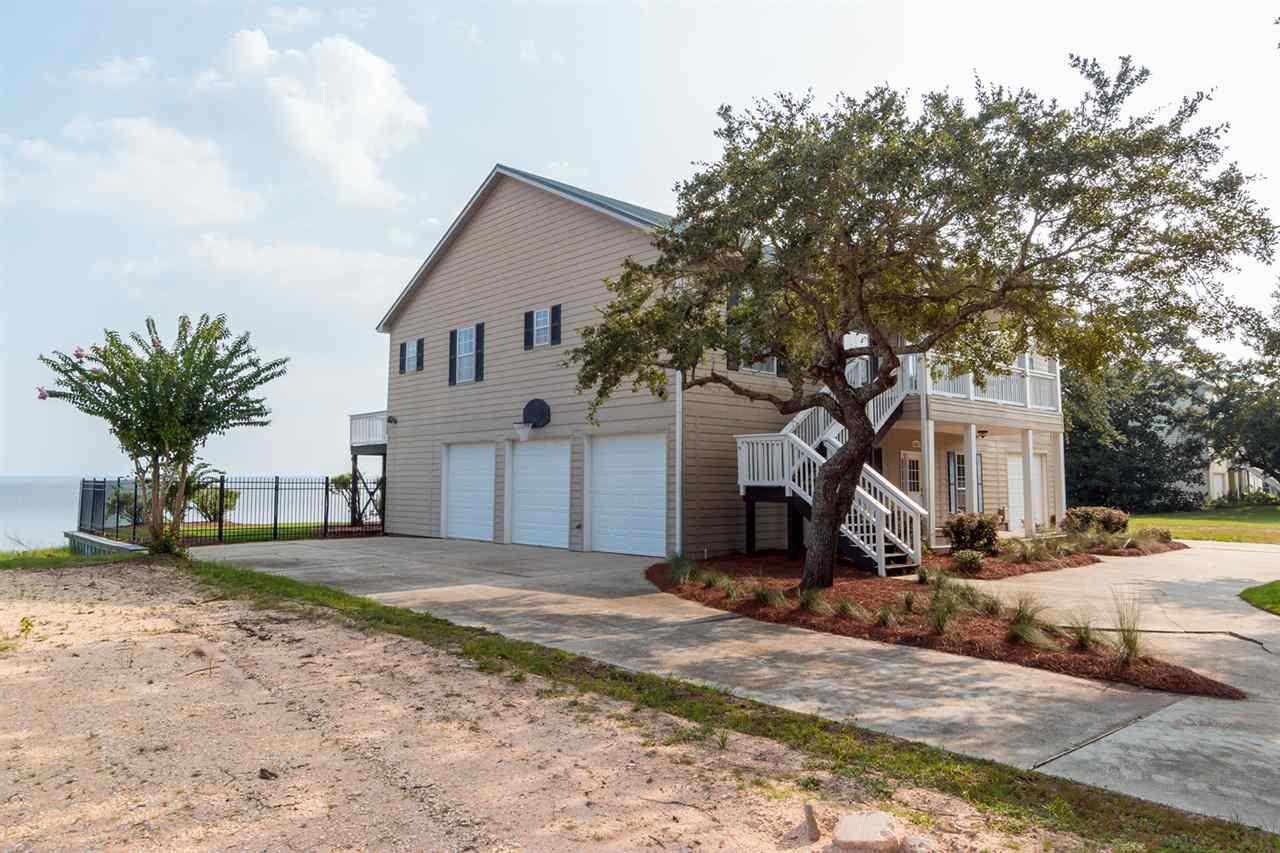 3661 Andrew Jackson Dr, Pace, FL 32571