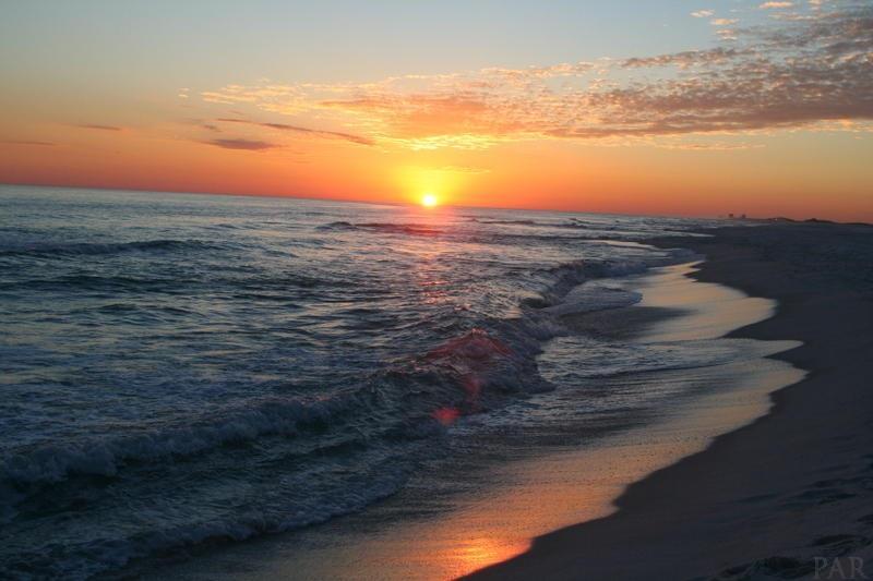 7575 Gulf Blvd, Navarre Beach, FL 32566