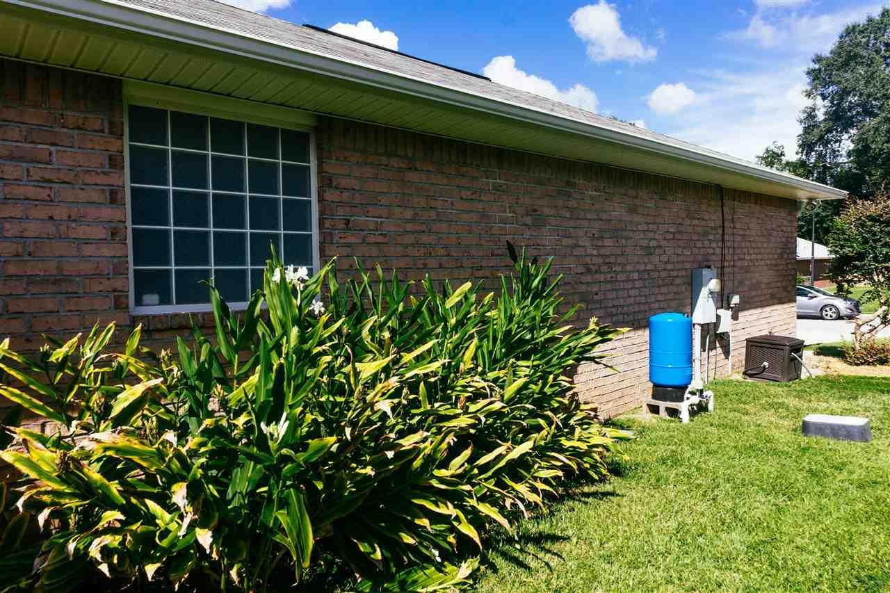 10931 Country Ostrich Dr, Pensacola, FL 32534