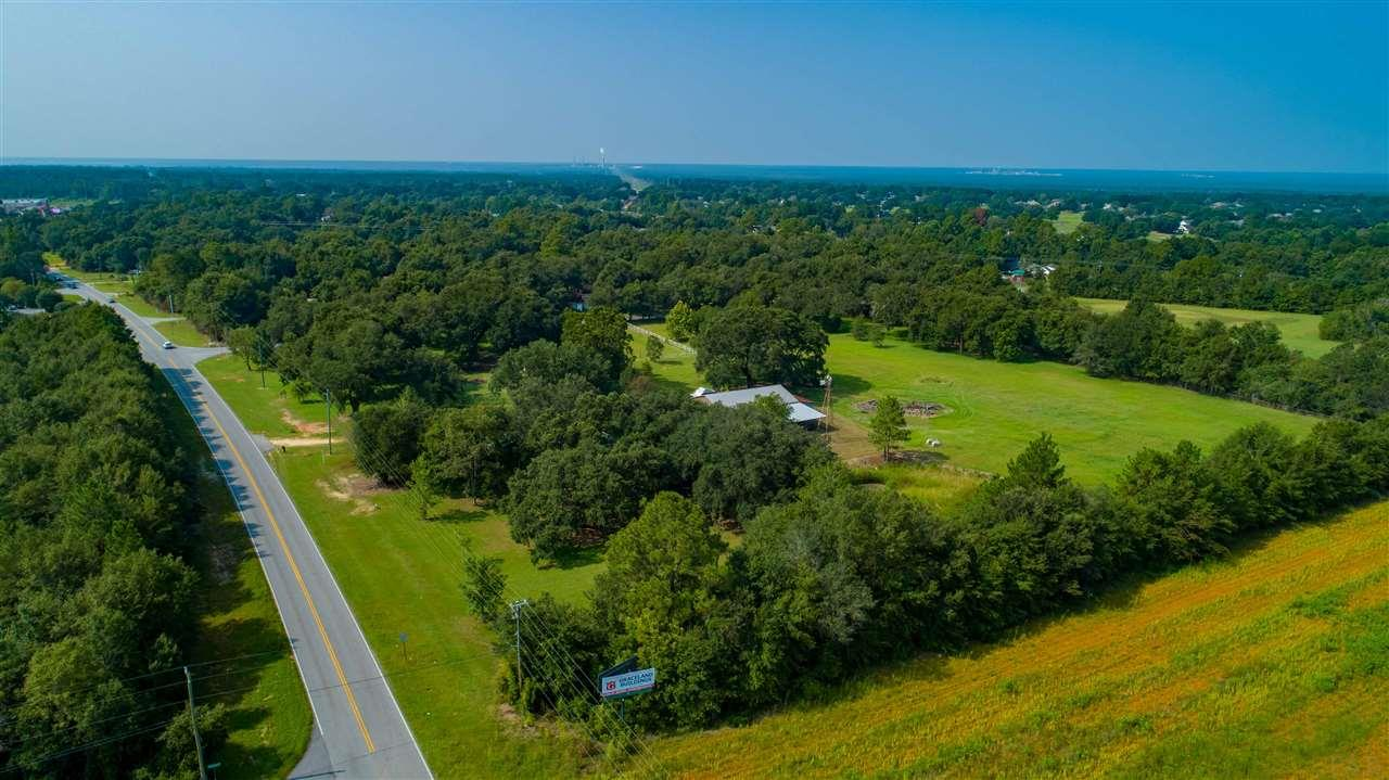 5829 Chumuckla Hwy, Pace, FL 32571