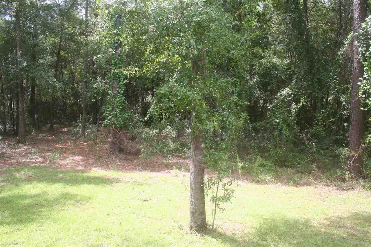 5469 Inwood Dr, Pace, FL 32571
