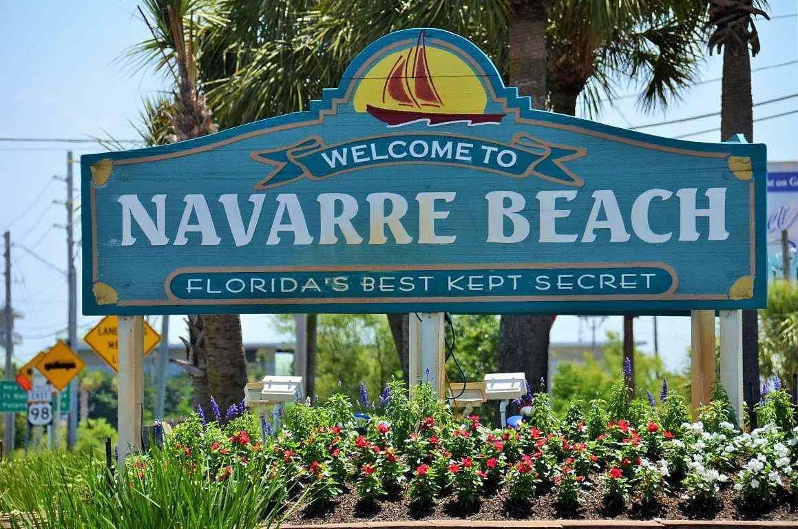 9879 Creet Cir, Navarre, FL 32566