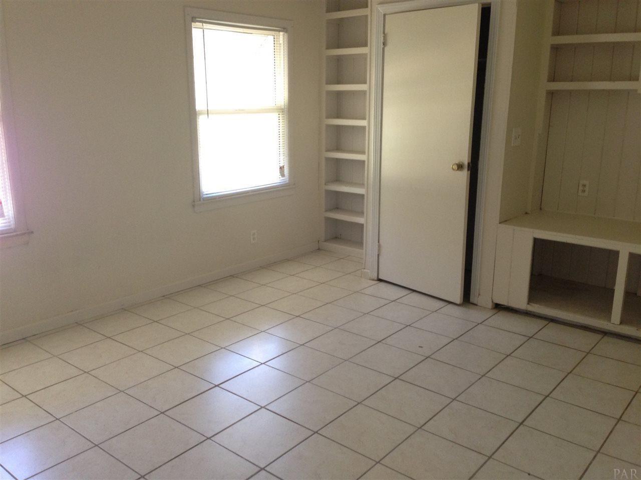 107 Reed Rd, Pensacola, FL 32507